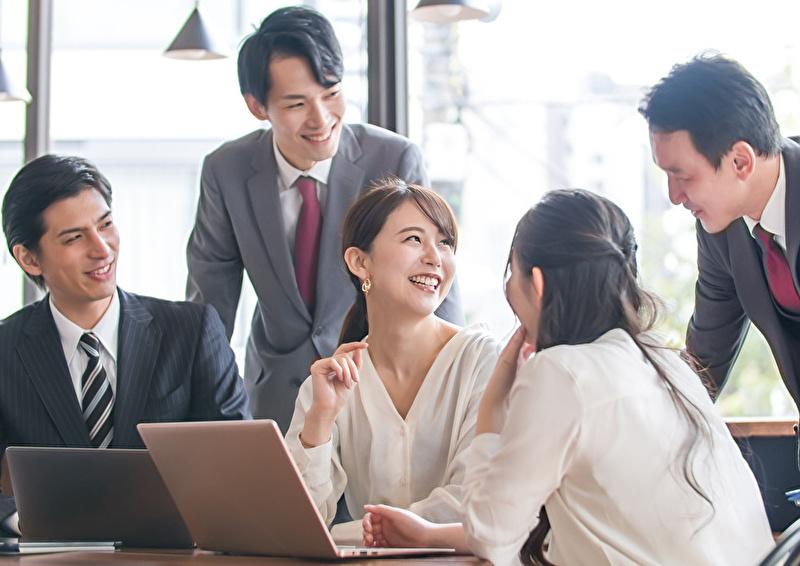 従業員幸福度とは?従業員満足度との違い、計測方法、高めるポイントを解説